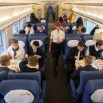Пассажиры в вагоне № 9